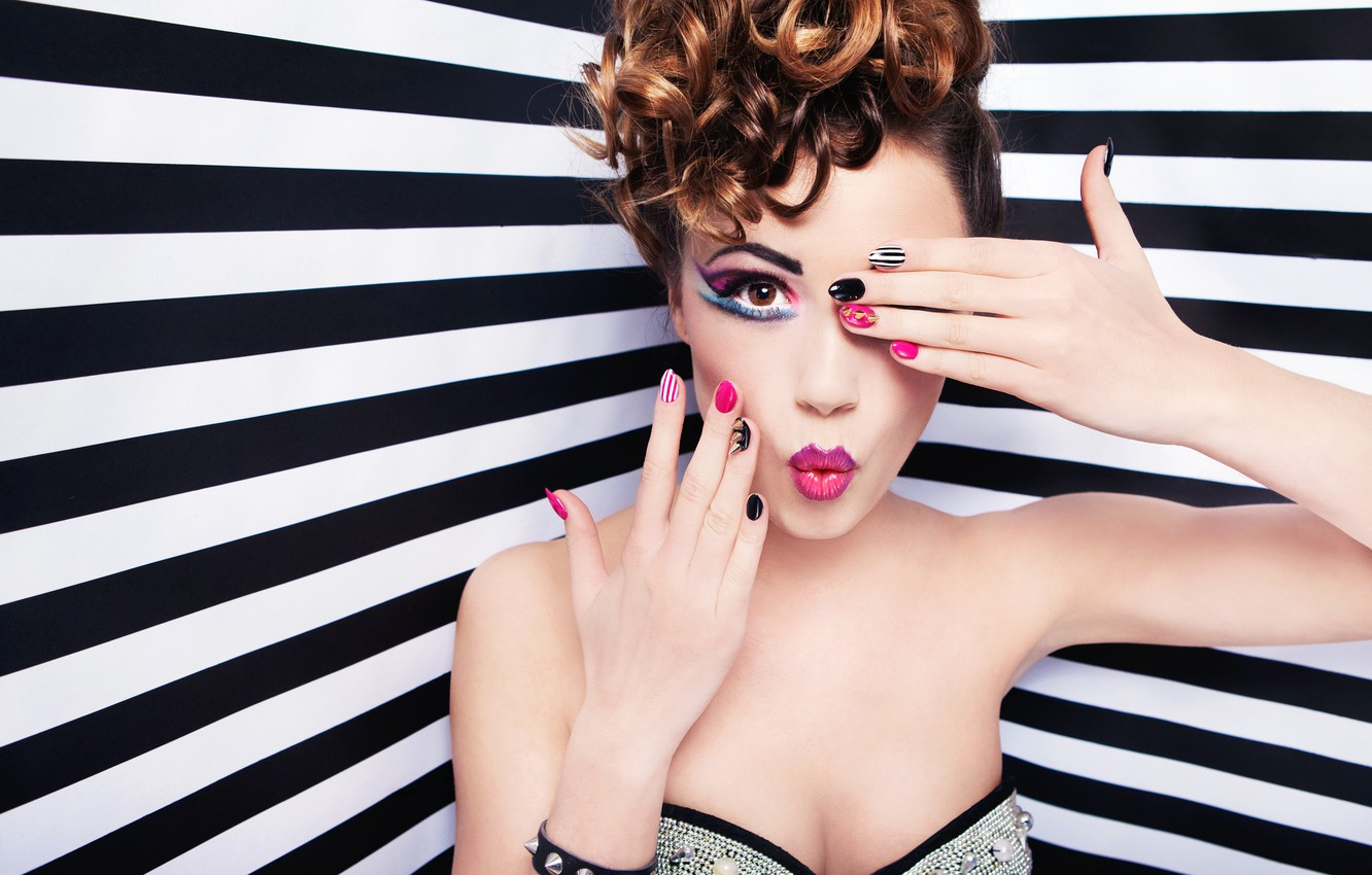 Photo wallpaper look, girl, face, eyelashes, background, model, hair, hands, makeup, lips, shadows, curls, manicure