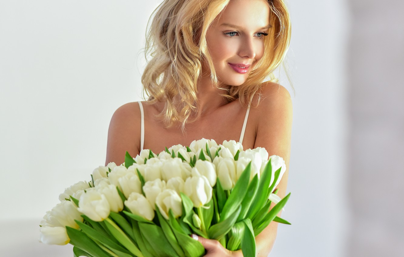 Photo wallpaper girl, flowers, smile, bouquet, makeup, hairstyle, blonde, tulips, beauty, white