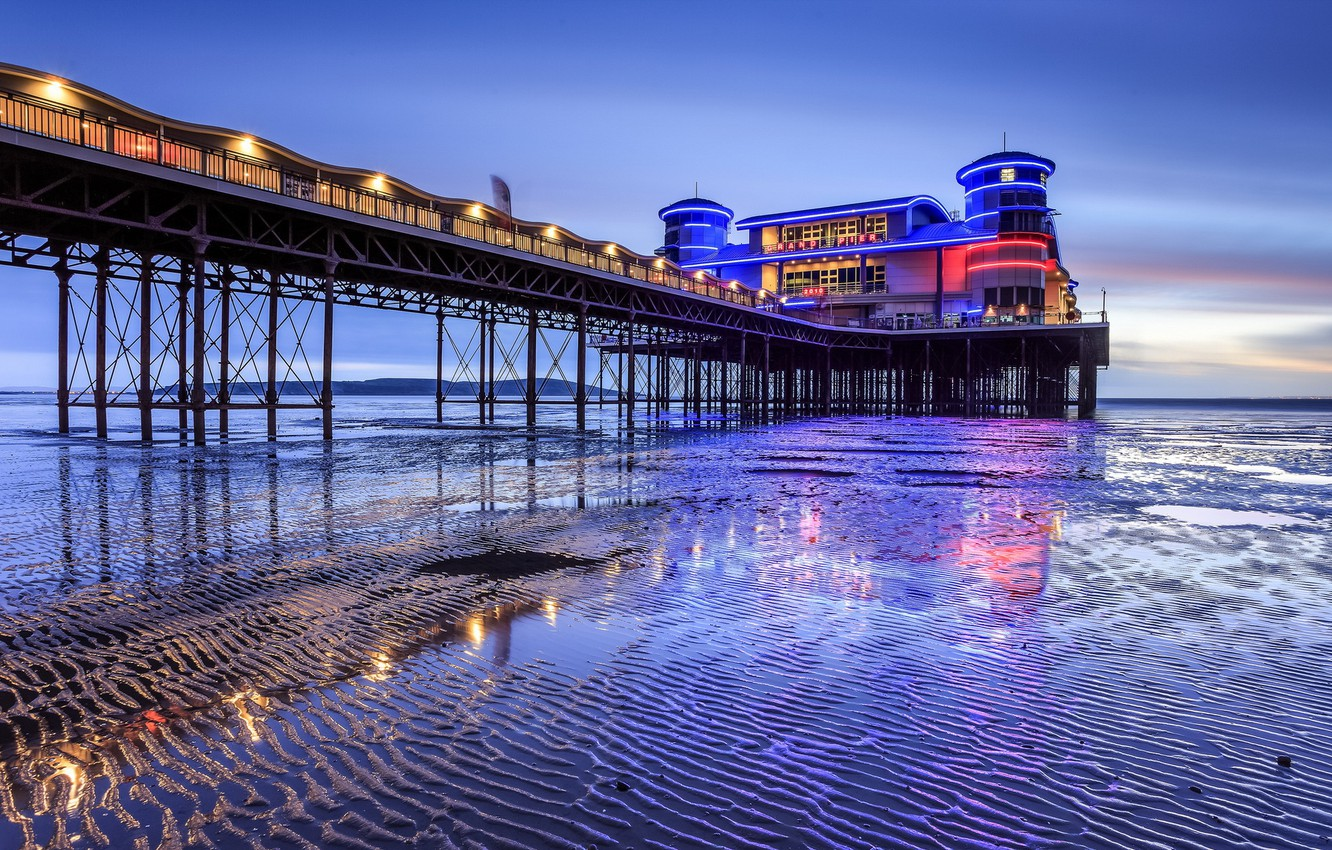 Photo wallpaper England, Blue Hour, Space Invaders, Weston-super-Mare, Relfection