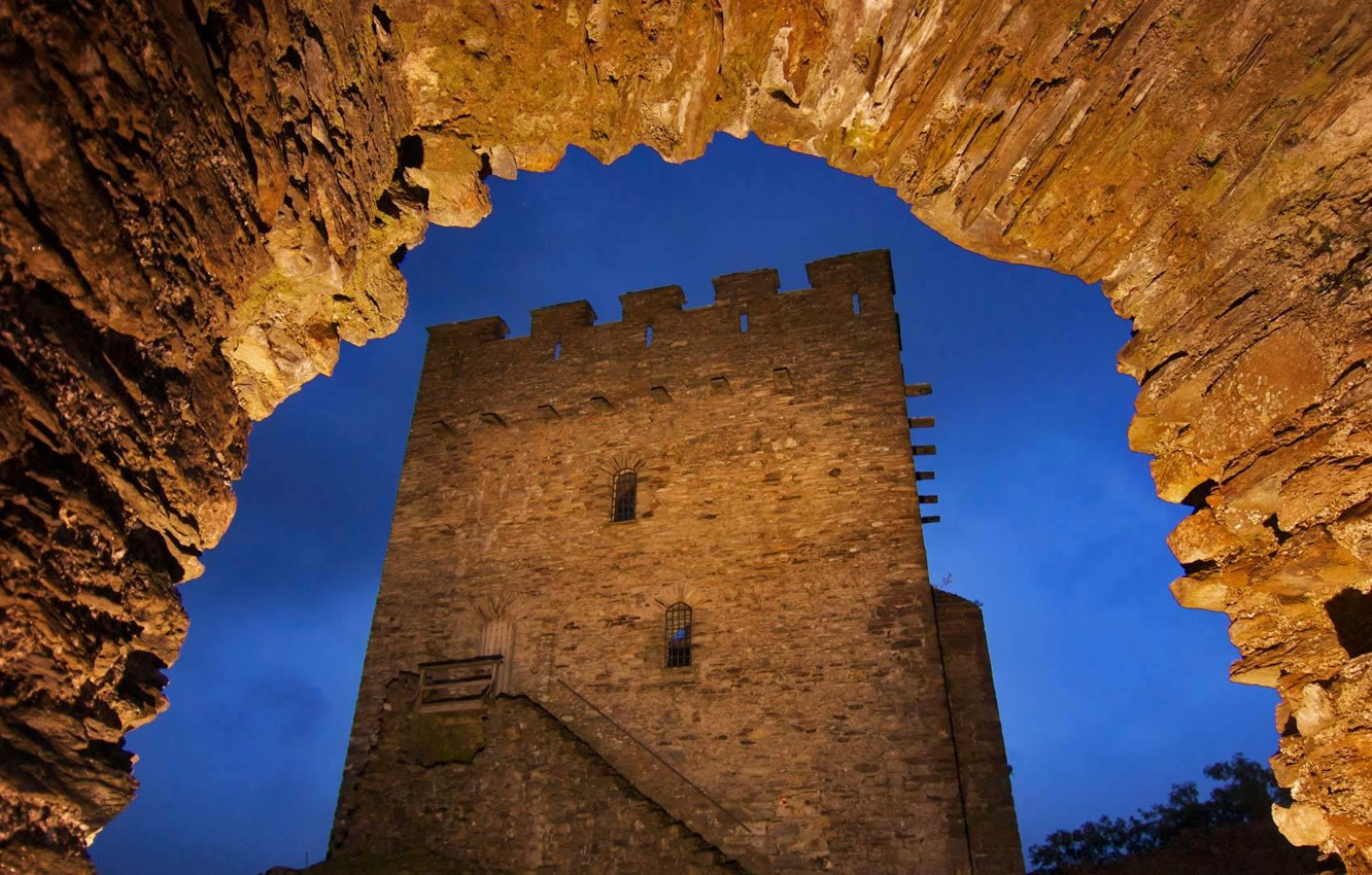 Photo wallpaper night, lights, tower, Wales, castle Dolwyddelan