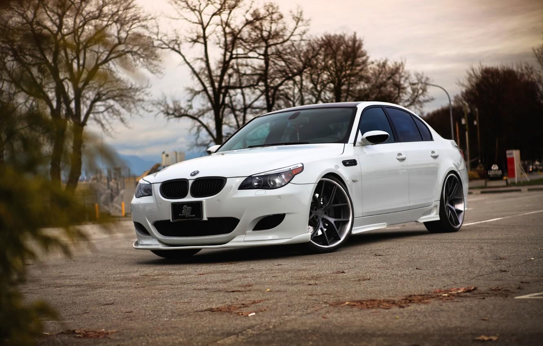 Photo wallpaper autumn, white, asphalt, leaves, strip, bmw, BMW, white, sedan, parking, e60, tinted
