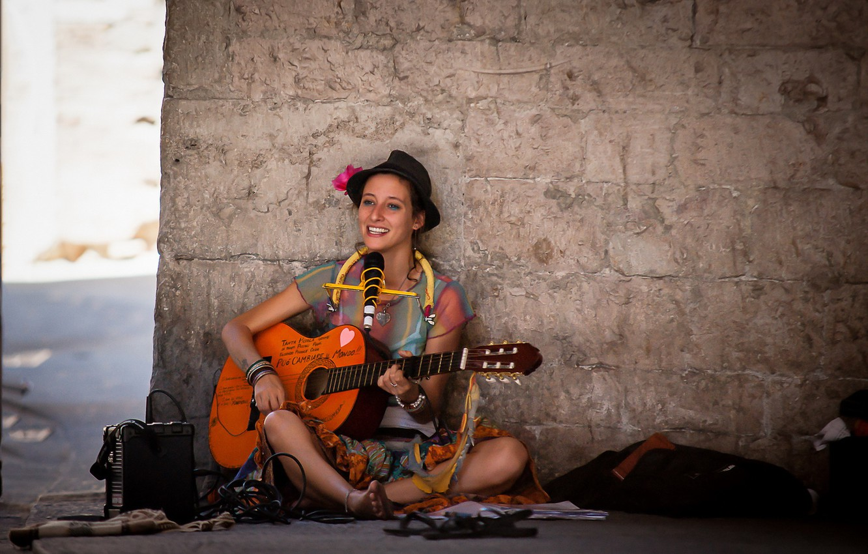 Photo wallpaper girl, music, street, guitar