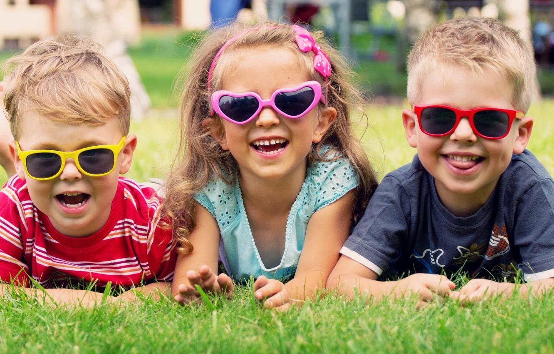 Photo wallpaper joy, children, glasses, girl, lawn, boys