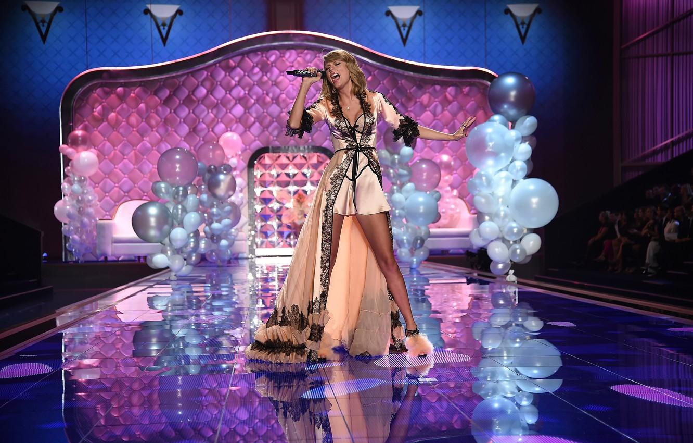 Photo wallpaper London, show, Taylor Swift, victoria's secret, show 2014