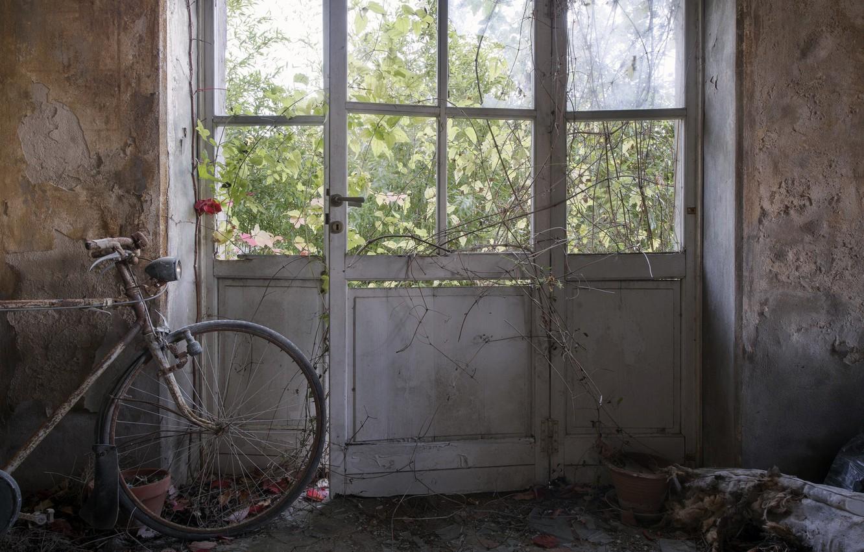 Photo wallpaper bike, room, the door