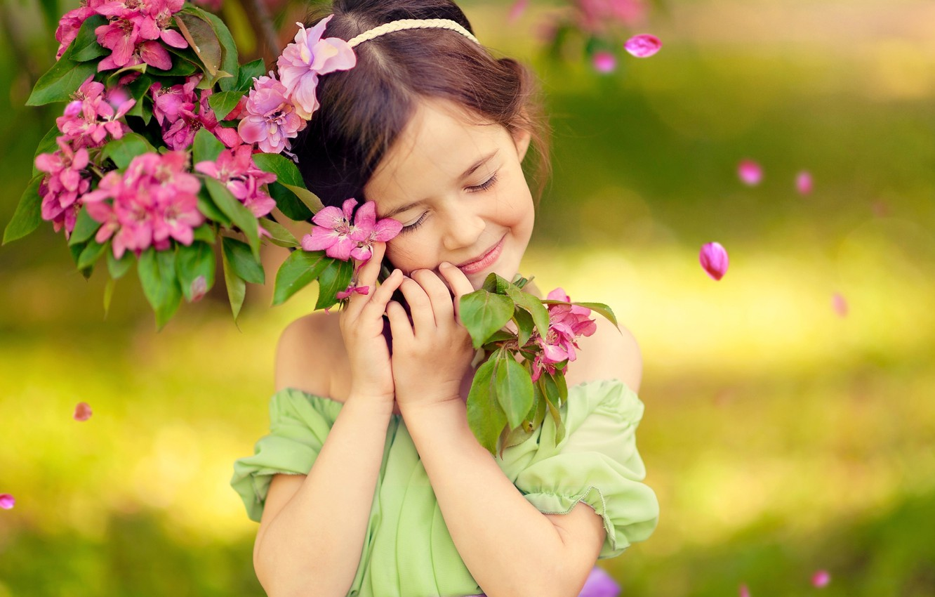 Photo wallpaper joy, happiness, childhood, smile, emotions, tree, spring, girl, flowering, bliss