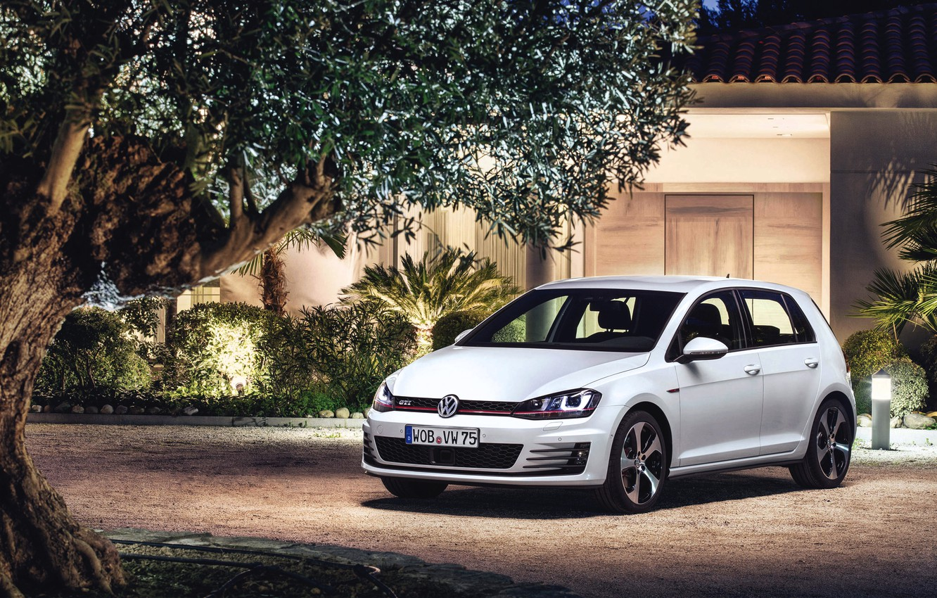 Photo wallpaper The evening, Auto, White, Volkswagen, House, Machine, The building, Lights, Car, Golf, GTI