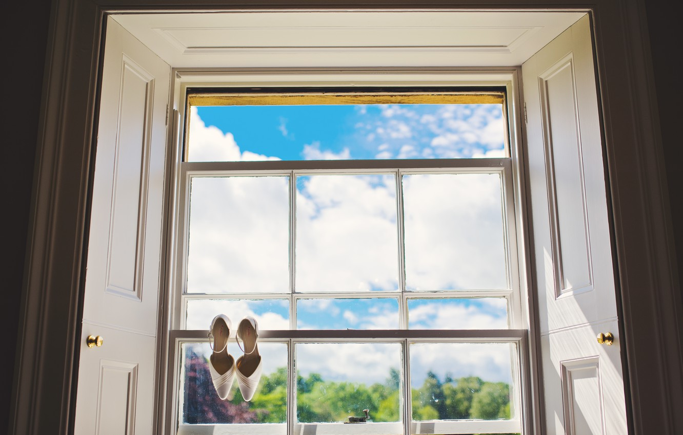 Photo wallpaper the sky, glass, window, shoes