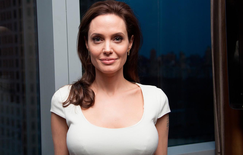 Wallpaper Angelina Jolie Angelina Jolie Unbroken Press