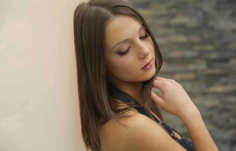 Photo wallpaper girl, wall, model, brunette, cute, Nensi B, Foxy, downcast