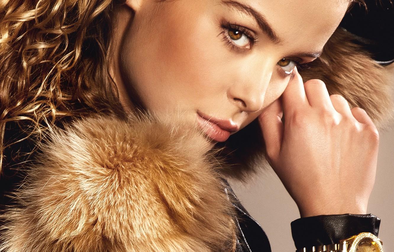 Photo wallpaper eyes, look, girl, hair, watch, hand, makeup, jacket, fur, curls
