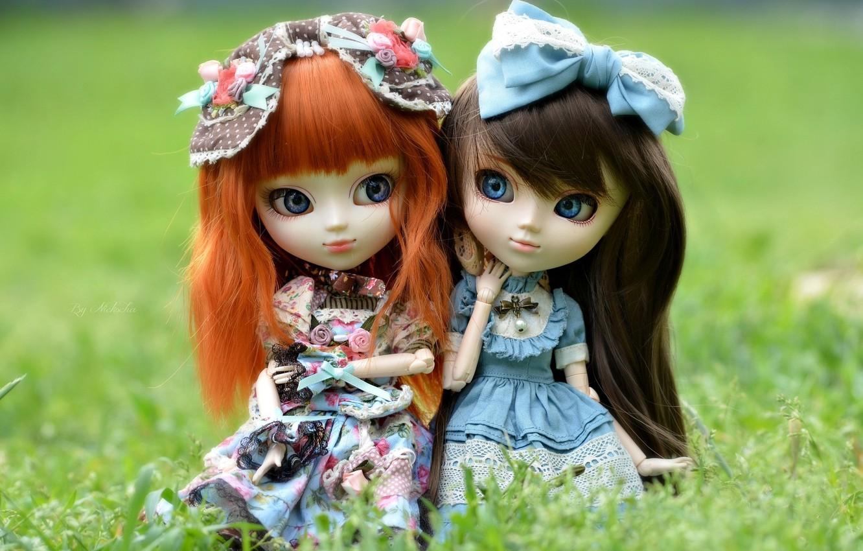 Photo wallpaper Grass, Hair, Two, Brunette, Girls, Doll, Red, Toys, Dresses, Bow, Macro.