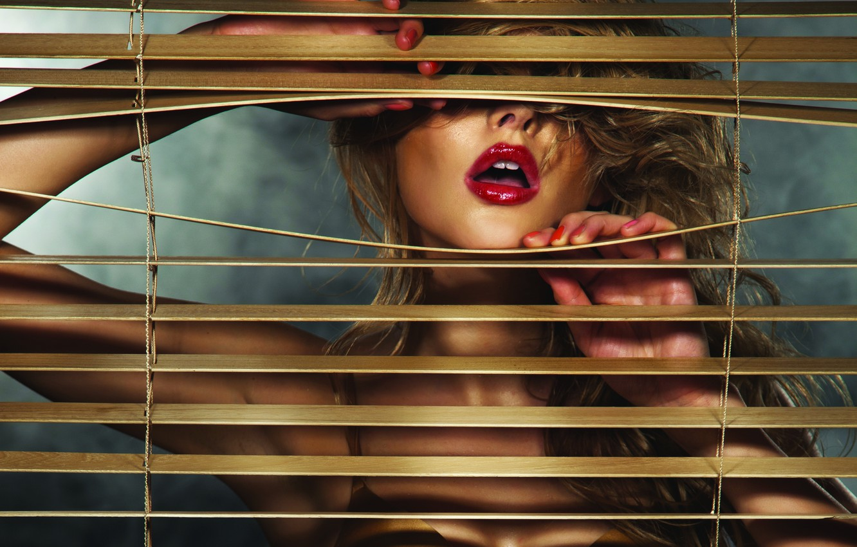 Photo wallpaper girl, lipstick, lips, blinds, blonde
