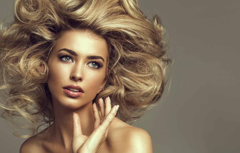 Photo wallpaper eyes, look, girl, background, model, hair, hand, hairstyle, blonde, lips, curls