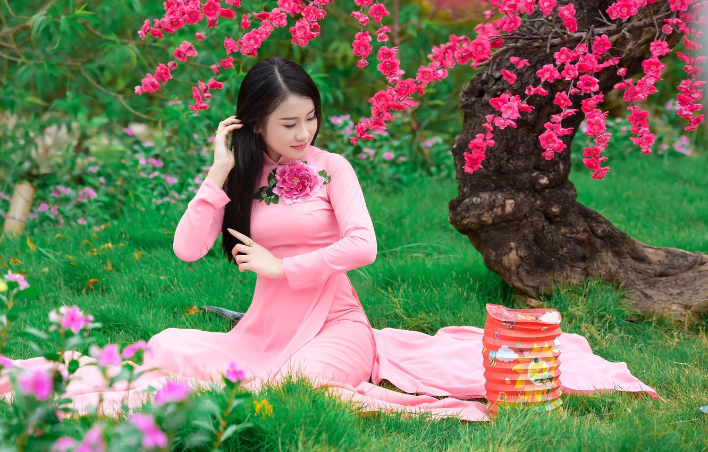 Photo wallpaper grass, face, Sakura, dress, Asian, sitting, flowering