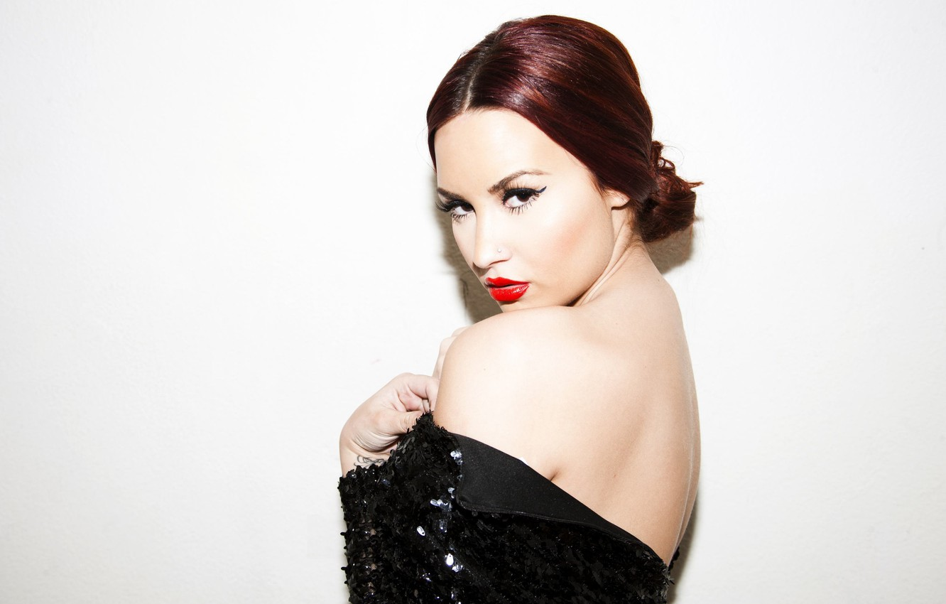 Photo wallpaper look, portrait, piercing, singer, Demi Lovato