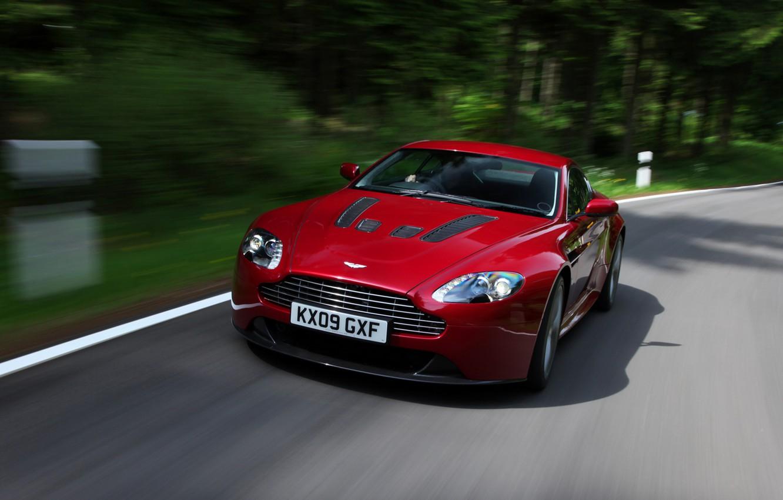 Photo wallpaper Aston Martin, Vantage, red, front view, V12