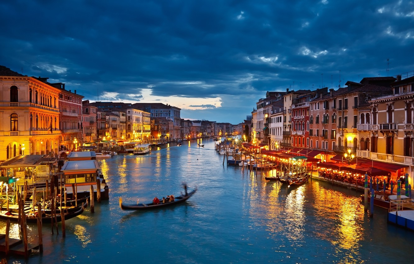 Photo wallpaper clouds, lights, home, boats, the evening, channel, Venice, gondola