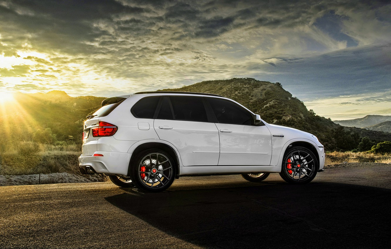 Photo wallpaper BMW, white, wheels, tuning, X5M