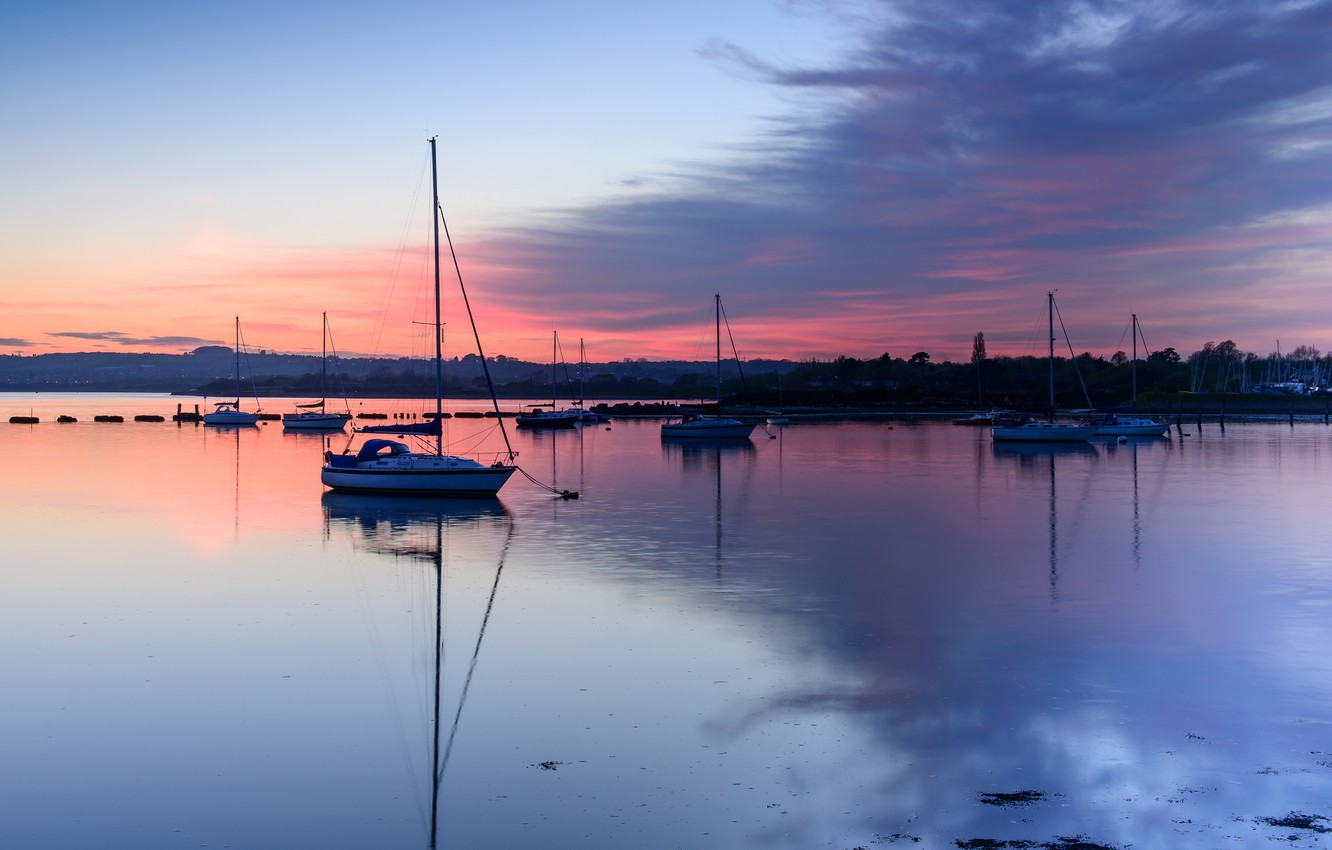 Photo wallpaper the sky, clouds, sunset, reflection, England, yachts, the evening, Bay, UK, County, Hampshire
