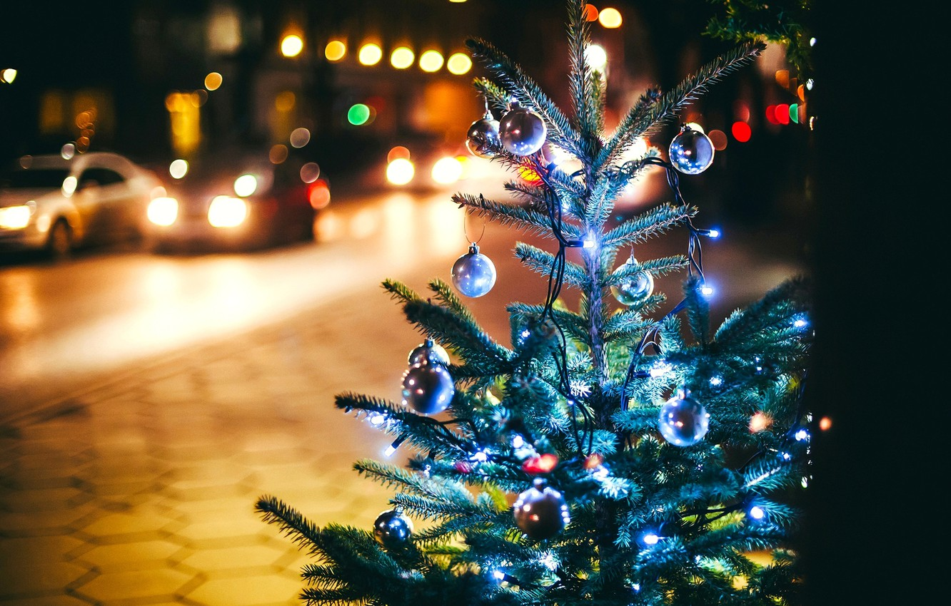 Photo wallpaper winter, road, balls, machine, night, branches, the city, lights, street, toys, tree, spruce, New Year, …