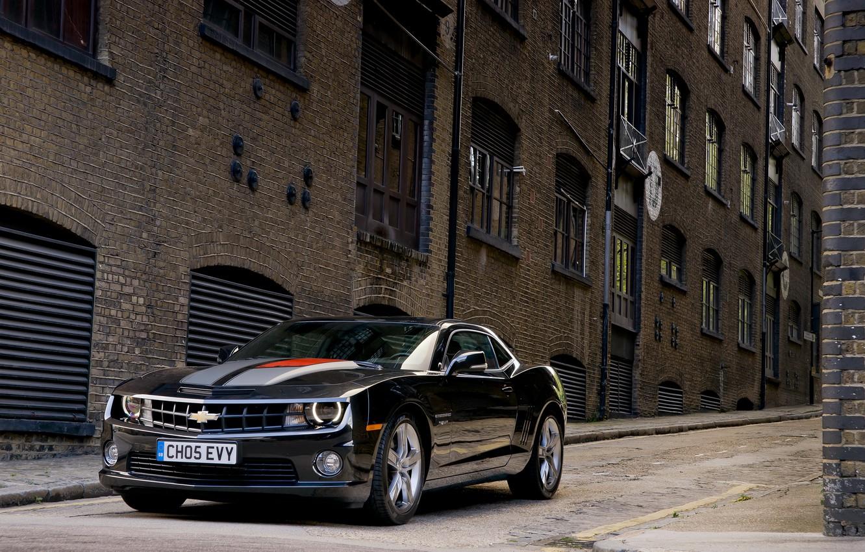Photo wallpaper photo, black, The city, Chevrolet, Camaro, car, front, metallic, anniversary, RS 45th