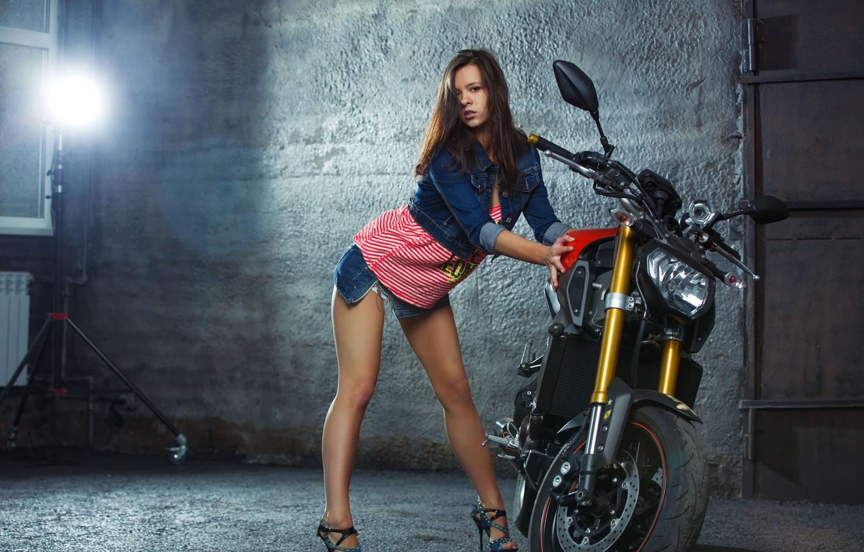 Photo wallpaper pose, feet, motorcycle, Yamaha, Audrey