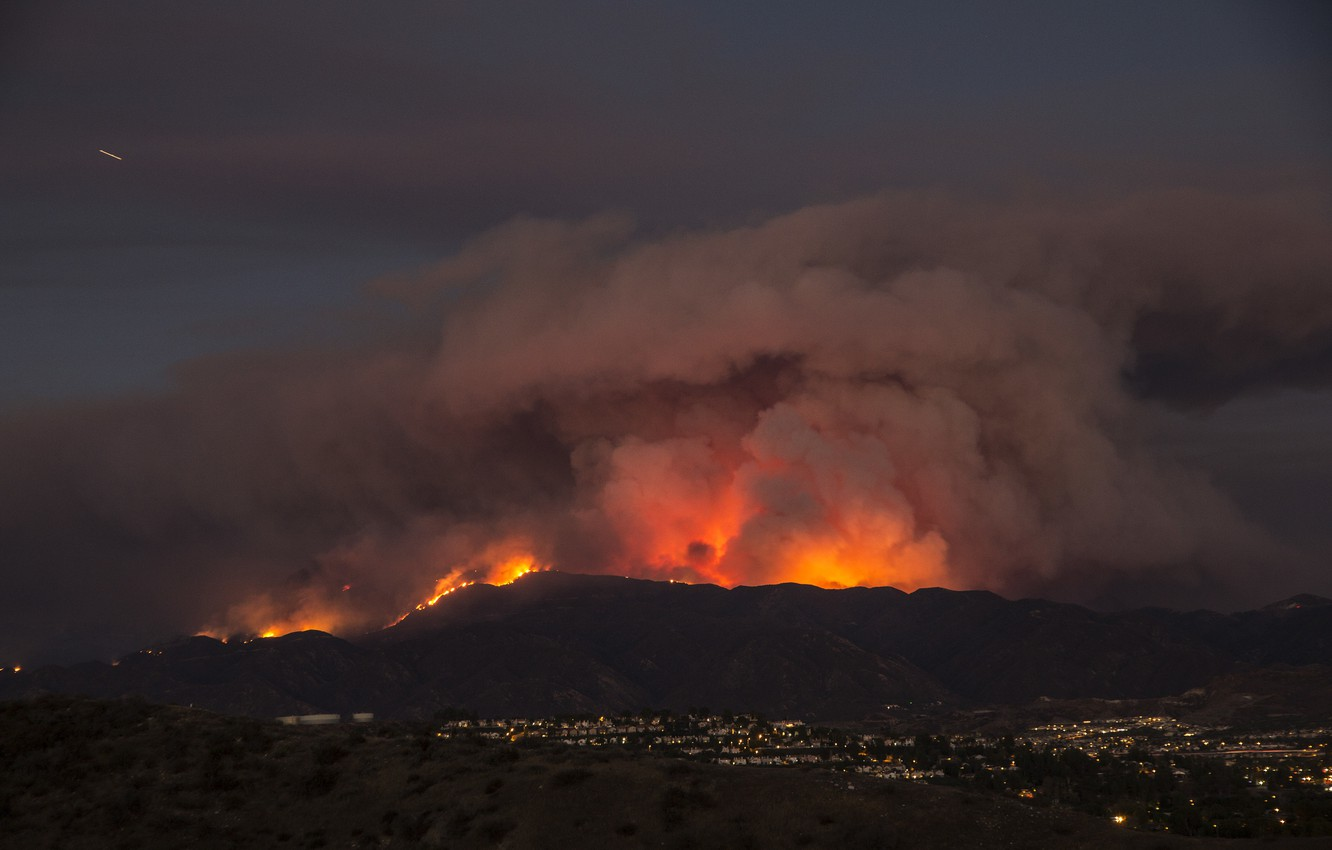 Photo wallpaper mountains, the city, fire, element, disaster, panorama