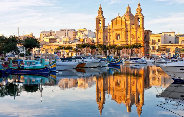 Photo wallpaper reflection, boats, Cathedral, boats, harbour, Malta, Malta, Valletta, Valletta