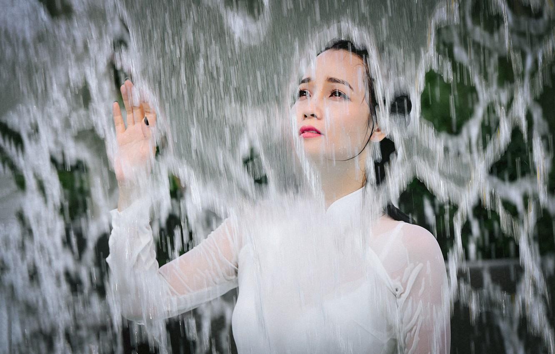 Photo wallpaper water, girl, face, hand, Asian