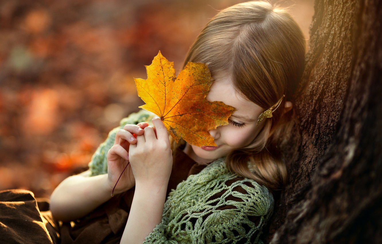 Photo wallpaper autumn, sheet, tree, girl
