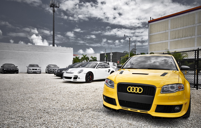 Photo wallpaper machine, Audi, yellow, Stroy