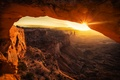 Picture the sun, rays, sunset, mountains, nature, canyon, cave, USA, arch, Canyonlands