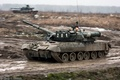 Picture the armed forces of Russia, dirt, MBT, tank, t-80U