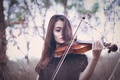 Picture the game, girl, violin
