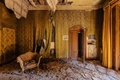 Picture room, armchair, abandoned, decay